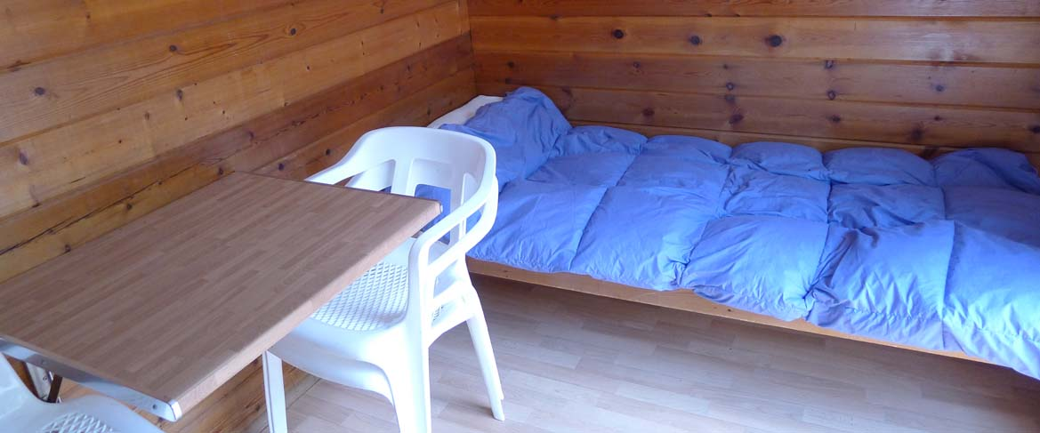 Camping cap blanch caba as de madera for Oferta cabanas de madera